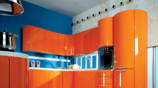 interior-design-ideas-for-modern-interior-decorating-with-orange-color-shades-amazing-decoration-apartment-red-orange-and-blue-bold-color