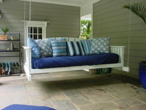 white-wooden-swing-porch-design