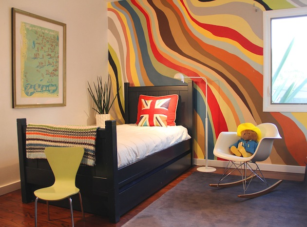5-Ways-To-Revamp-Your-Room-With-Striped-Walls-9